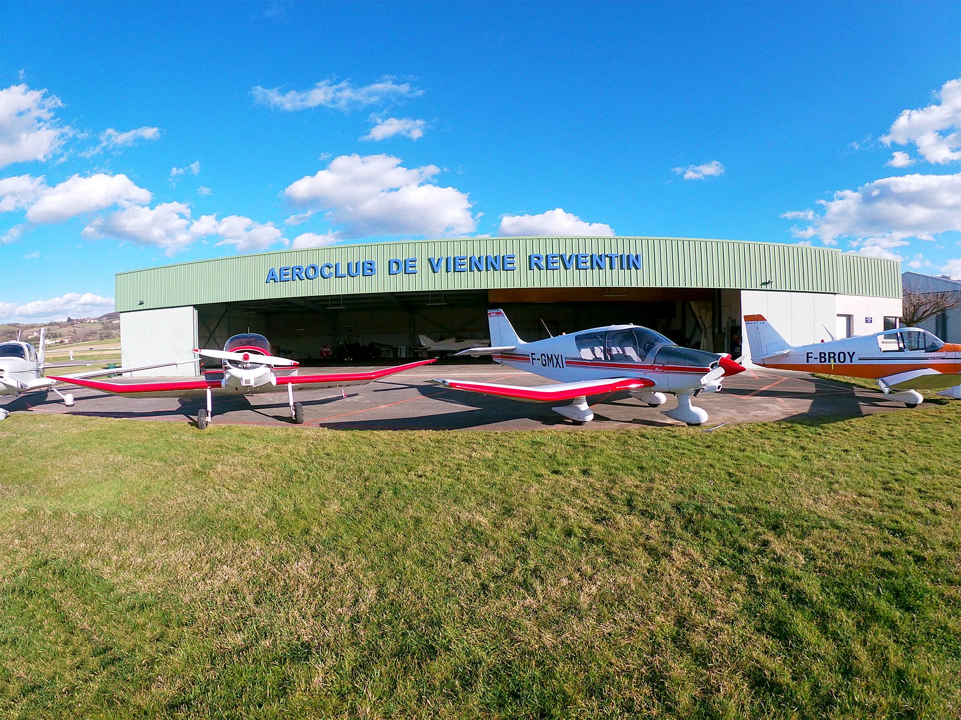 Aéroclub de Vienne Reventin Hangar